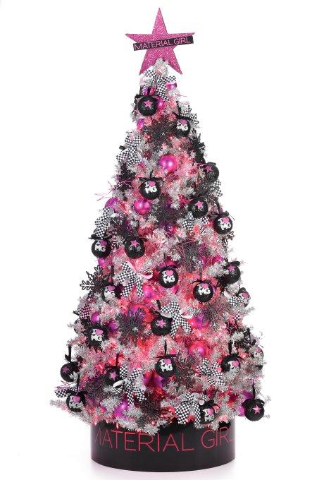 madonnalicious: Material Girl Christmas Tree at Macy's